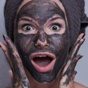 tvárová maska dievčina