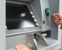 HOAX: ak zadáte do bankomatu PIN odzadu, privoláte políciu