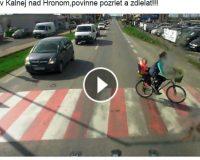 """HOAX: """"arogantní"""" vodiči nepúšťajú matky na bicykli s deťmi cez priechod"""